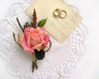 Pink Rose Men's Boutonniere, Romantic Pink Lapel Pin, Autumn Wedding Flowers, Wildflower Boutonniere, Rustic Groomsmen's Flowers, Romantic