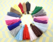 Wholesale 100pcs mixed colors tassels silk tassels satin tassels Jewelry tassels for decorating tassels