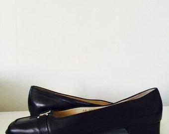 Salvatore Ferrangamo loafers. Size 9.