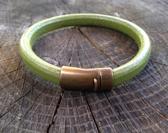 Mens Thick Leather Bracelet in Green Leather with Brass Clasp Hipster Mens Trending Style Urban Mens Style