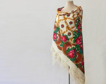 white Russian shawl, cream throw wool, large floral shawl, babushka scarf, folk costume, shawl with roses, warm throw, autumn wedding throw