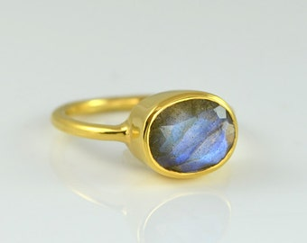 Labradorite Ring, Gemstone Ring, Stacking Ring, Gold Ring, Oval Ring, Gift for Her, Sterling Silver Ring, Blue Labradorite Jewelry