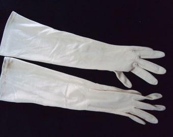 Ladies Tan Vintage elbow length gloves, size XS, c. 1950's