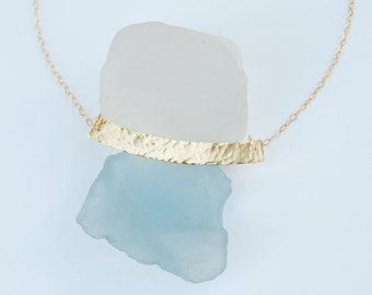 Texturized gold curved bar necklace