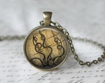 Octopus Necklace - Octopus Jewelry - Kraken Necklace - Cthulu Necklace - Steampunk Octopus L46