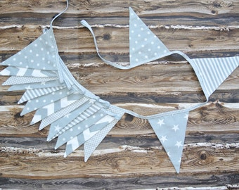 SALE: 3m long fabric garland, bunting in gray and white, fanions, nursery,