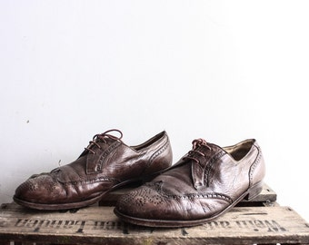 Vintage 1970s Brown Oxfords Wingtip Costume Leather Shoe Distressed