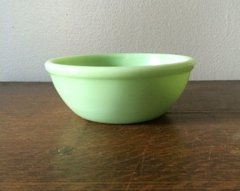 Vintage Original Fire King Jadeite Chili Bowl With Rolled Rim