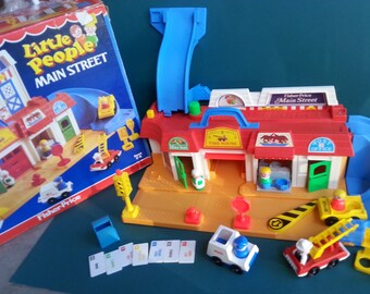 Vintage FISHER PRICE Play Family Main Street 2500 Neighborhood Village Complete with Box 1980s