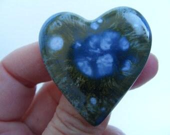 Blue/grey ceramic heart brooch