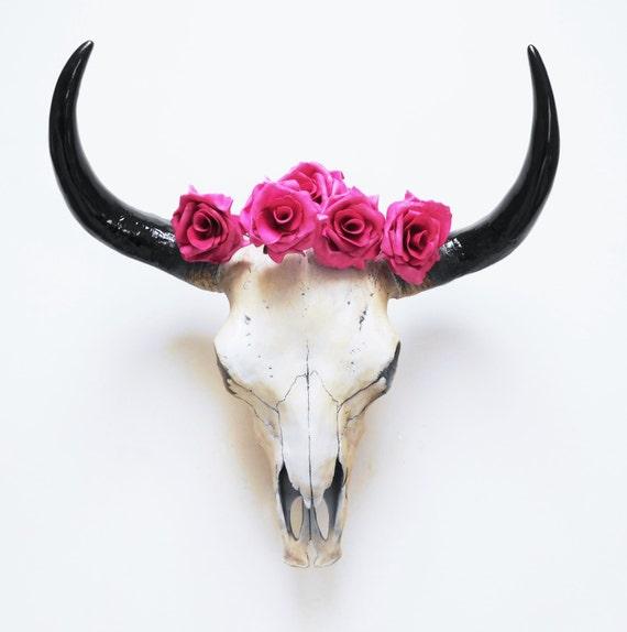 cow skull animal skull skull taxidermy skull by hodihomedecor. Black Bedroom Furniture Sets. Home Design Ideas