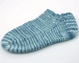 Womans hand knit cotton ankle sport socks size 6 -8