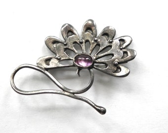 Sterling Silver & Amethyst Cabochon Water Lily , Lotus Flower Vintage Brooch Pin
