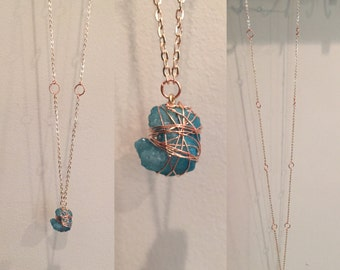 Turquoise Stone and Copper Wire Necklace