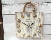 Rustic 'Walkies' clock with pebble pawprints