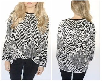 Vintage black and white sweater abstract print sweater pullover sweater chunky sweater round neck long sleeve sweater