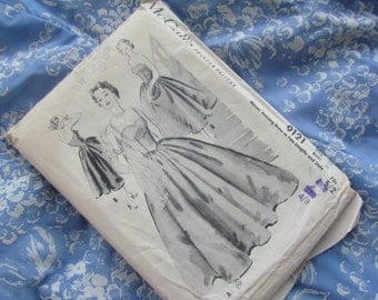 Vintage Size 34 Inch Full Skirted Evening Dress: McCalls Sewing Pattern No 9121