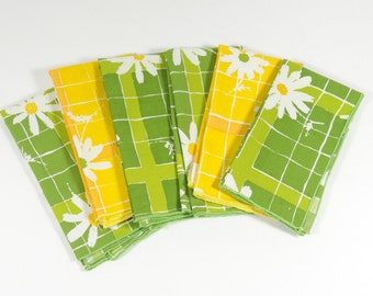 Cloth Daisy Napkins - Set of 6 - Green and Yellow Daisy Cloth Napkins - Vintage Napkins - Midcentury Napkins