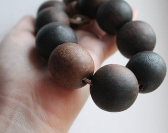 30 mm Wooden textured beads 10 pcs - natural, ECO-FRIENDLY beads - welded in olive oil