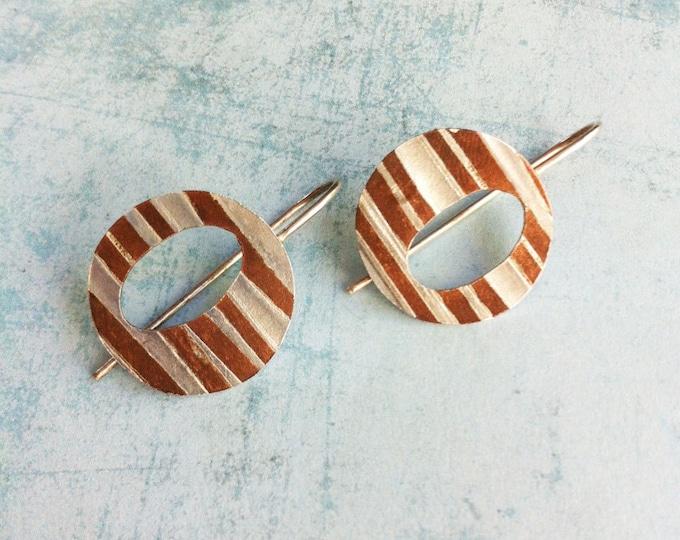 hook silver and copper earrings -two fusing metals earrings - oval open in circle geometric earrings
