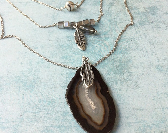 Boho Necklace slice agate - 3 laps necklace - real pearl - feather charme necklace