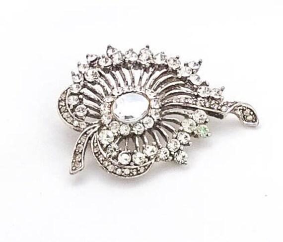 Vintage Silver filigree Flower leaf clear crystal rhinestone brooch sweater pin
