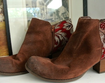 Vintage ladies boots:  brown suede leather with red tapestry heel detail
