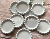 "Flattened bottlecaps White- DIY hairbow center- * 25 mm 1"" Flattened bottle cap- * additional quantities available"