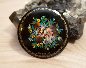 Beautiful Russian Hand Painted Lacquer Floral Bouquet Paper Mache Brooch