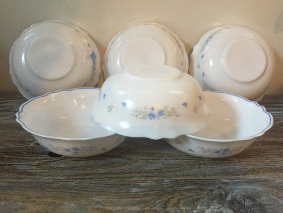 6 vintage cereal bowls arcopal romantique blue flowers. Black Bedroom Furniture Sets. Home Design Ideas