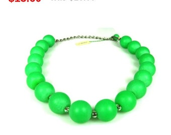 Vintage Green Plastic Bead Necklace SS Kresge Company