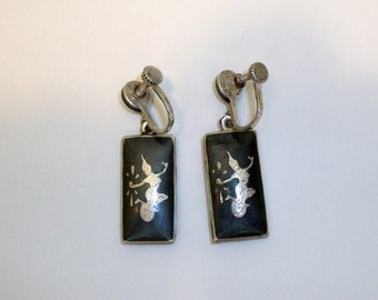 Niello Siam earrings. Marked Sterling. Vintage screw style dangle earrings made circa 1930 - 1940.