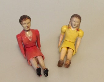 Antique Articulated Renwal Dollhouse Woman and Child