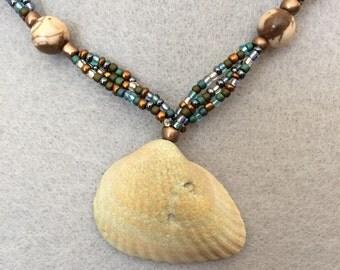 Natrual Shell Beaded Necklace