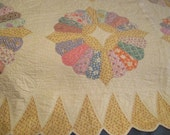Antique Dresden plate hand quilted pastels yellow quilt