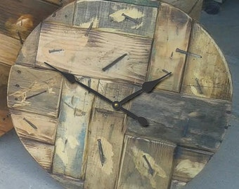 The BEST Wood Pallet Clock (4) in 5 sizes