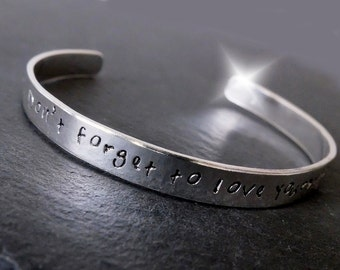 Personalised Bangle with Message, Personalised Bangle with Names, Valentine Gift, Song Lyrics Bangle, Childrens Names Bangle, Silver
