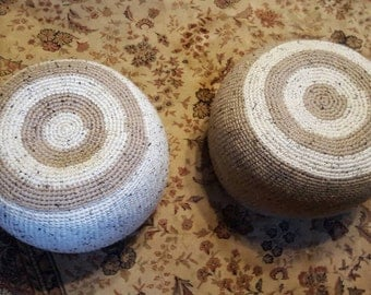 Crocheted pouf, cotton.