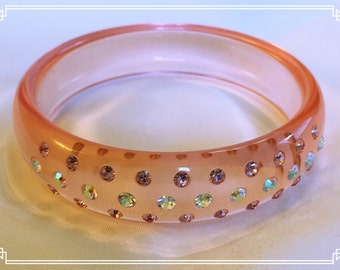 Sweet Pink LUCITE AND RHINESTONE Bangle Bracelet
