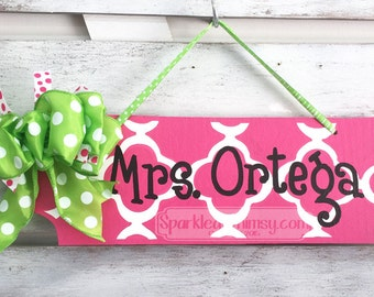 Teacher Gift: Personalized Teacher Name Sign, Classroom Decoration, Teacher Gift, End of Year Gift, Office Decor (Hot Pink)