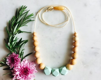 Geometric Nursing Necklace, Chewable Necklace, Modern Teething Necklace, Wood and Silicone Bead Teething Necklace – Mint – Yoho