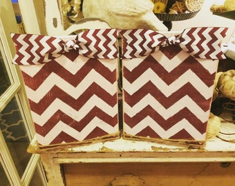 Distressed chevron frames