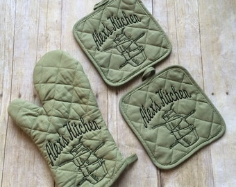 Personalized Oven Mitt and Pot Holders