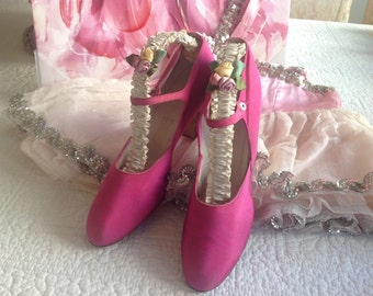 Lovely antique pink satin 1920's flapper mother of pearl button shoes