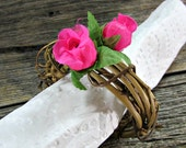Rose Napkin Ring, CUSTOM COLOR, White Blue Yellow Pink Red, Flower Napkin Ring, Rustic Grapevine Napkin Ring, Spring Summer Table Decoration
