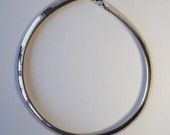 Elegant vintage sterling silver snake necklace Italy