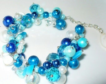 Pearls bracelet of blue white magic
