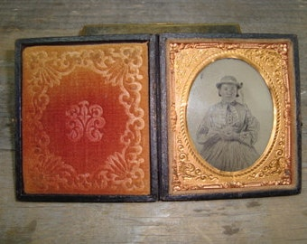 Antique Tin Type Photo Daguerreotype of Woman In Case