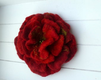 Feltbrooches large felt flower