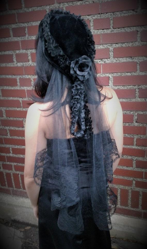 AURORA  Vintage Velvet Cap with Tulle and Lace Trim Veil